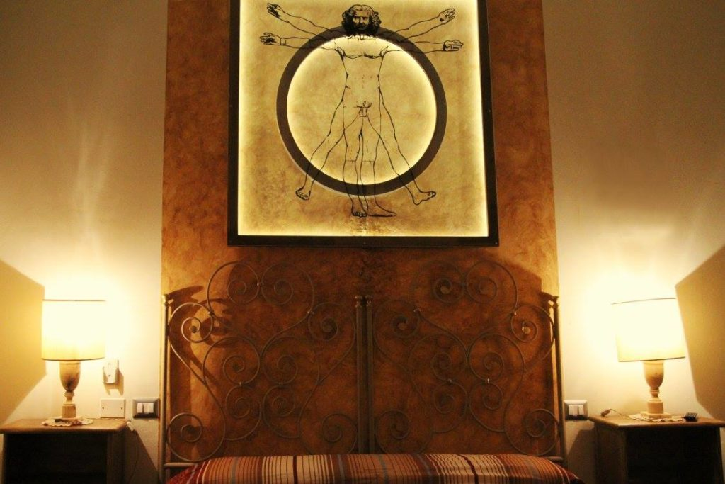 progettazione stanza a tema leonardo hotel themed room